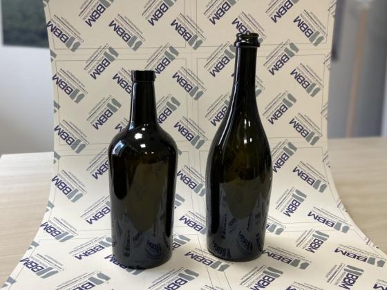 ¿Cómo Resolver El Problema De La Caída De Las Botellas Troncocónicas?